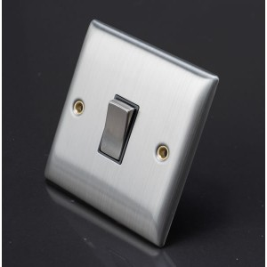 Lyvia 10A Single Switch Socket Black Insert