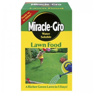 Miracle-Gro  Soluble Lawn Food 1KG