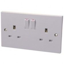 Dencon 13A 2 Gang Switch Socket White